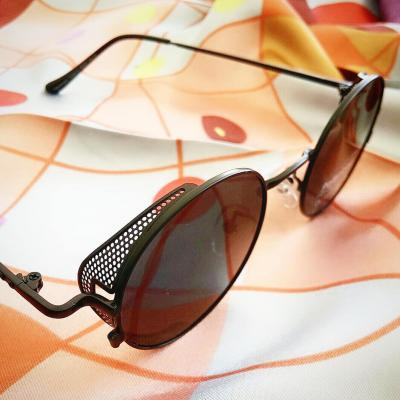 08919 Polarized